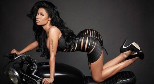Nicki_Minaj-Night_is_Still_young-music_video